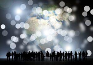 habilidades sociales personas con el planeta tierra de fondo